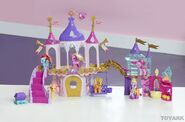 001-My-little-pony-toy-fair-2013 1360371610