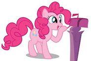 Pinkie con el buzón