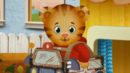 Daniel Tiger's Neighborhood Hollywoodedge, Police Wailer Siren PE080801 (2)