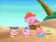 The Pirate Piggies loses their blue key after Swiper swipes it