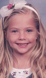 Ashley-benson-as-a-kid