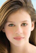 10.Lucy Weasley - 16 Años