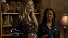 My-babysitters-a-vampire--village-of-the-darned--206--what--vanessa-morgan--kate-todd