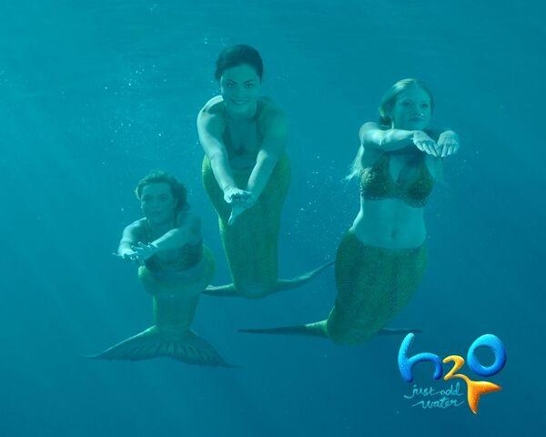 File:Swimming1.jpg