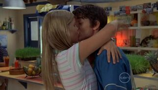 Claire and Ethan kiss!