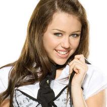 Miley-Cyrus-tattoo (4)