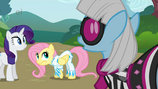 GIYC90 Photo Finish disproves of Fluttershy's outfit