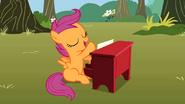 Scootaloo joue du piano S1E18