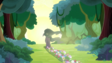 Mistmane leaving trail of flowers as she leaves S7E16