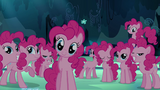 Pinkie Pies dans la grotte (S03E03)