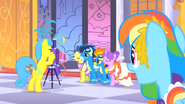 1000px-Wonderbolts photoshoot S1E26