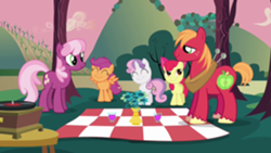 250px-Cheerilee and Big Mac with CMC picnic S02E17