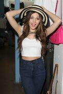 Kelli-berglund-at-kitson-boutique-in-los-angeles 17