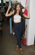 Kelli-berglund-at-kitson-boutique-in-los-angeles 18
