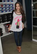 Kelli-berglund-at-kitson-boutique-in-los-angeles 29