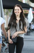 Kelli-berglund-and-paris-berelc-out-shopping-in-los-angeles-09-03-2015 3