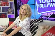 Kelli-berglund-visits-the-young-hollywood-studio-on-may-18-2016-in-picture-id533081540