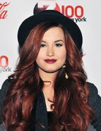Beauty-celebrity-beauty-2014-06-beauty-evolution-of-demi-lovato-10