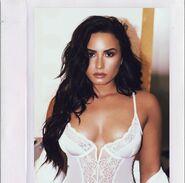 Demi-Lovato-Angelo-Kritikos-e1517410250986
