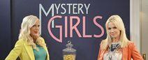 Tori-Spelling-L-Und-Jennie-Garth-Sind-Die-Mystery-Girls