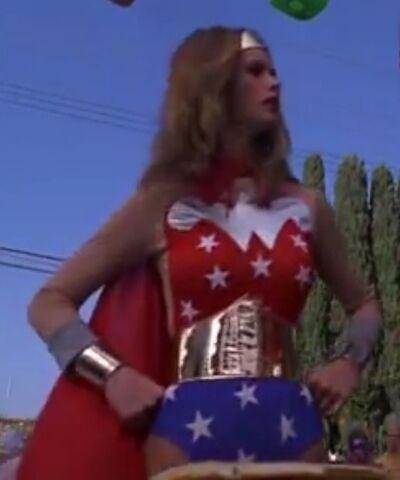 File:Powerwoman 2-1-.jpg