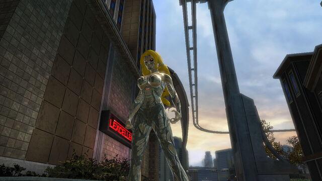File:Cyber woman in metro.jpg
