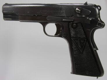 Batman's GUN, p35 fb (not fb vis)