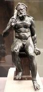 Ercole seduto (epitrapezios), 50 ac-50 dc ca., con braccia, clava e gambe sotto il ginocchio di restauro 02