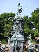 Neptunbrunnen Stadtpark Nürnberg Juni 2010 11