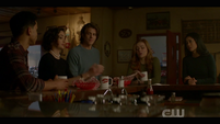 1x18-DrewCrew at TheClaw
