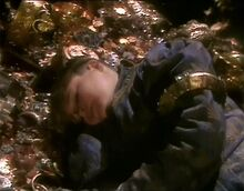 Юстас спит на сокровищах ПЗс