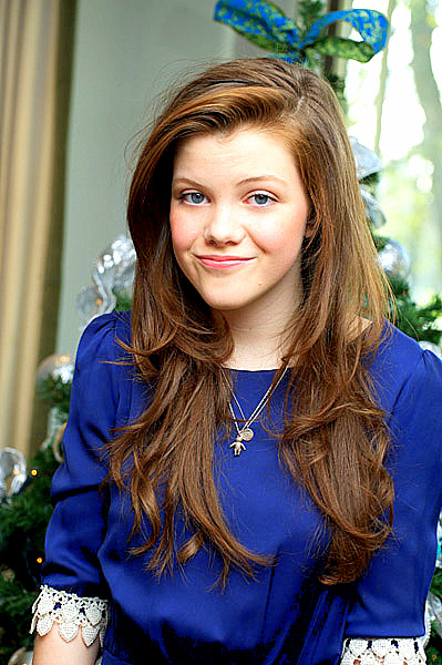 Photoshoots - Georgie Henley Life Gallery