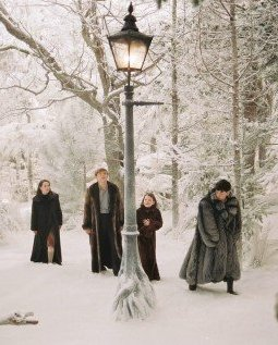 Superb The Lamp Post With The Four Pevensies In The Lion, The Witch, And The  Wardrobe.