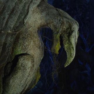 Статуя на острове