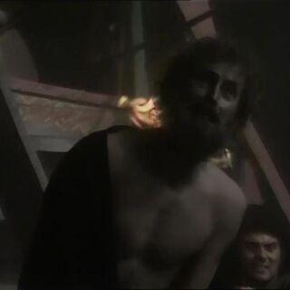 Лорд Руп в ужасе, что не сможет выбраться с острова (сериал)
