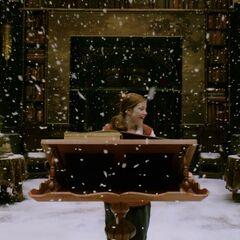 Люси вызвала снегопад