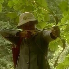 Сьюзан стреляет из лука