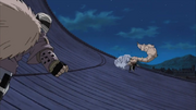 Dosu contra Gaara parcialmente transformado en Shukaku