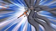 Naruto atacando Kakuzu por trás