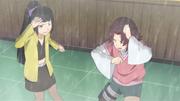 Tsuru e Ahiru se molham na armadilha
