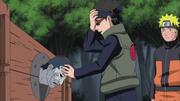Aoba interrogando a Kisame con su Lectura de Mentes