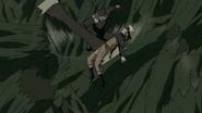 Hiruzen salva Naruto (Anime)