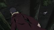 Itachi continua sobre Sasuke