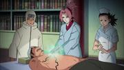 Sakura utilizando su ninjutsu médico