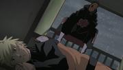 Tobi aparece frente a Naruto