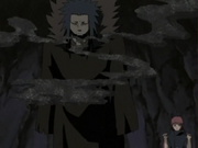 Sasori usando la Arena de Hierro para atacar a Chiyo y a Sakura