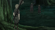 Yagura confronta Jūzō e Itachi