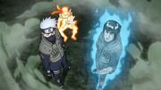 Kakashi e Guy ajudam Naruto