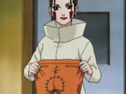 Hana costura a calça de Naruto