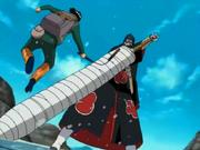 Kisame detiene el Nunchaku de Guy
